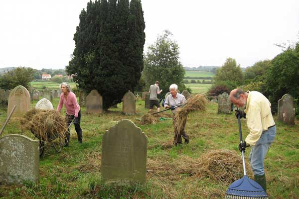 Wiveton-Grass-Cutting